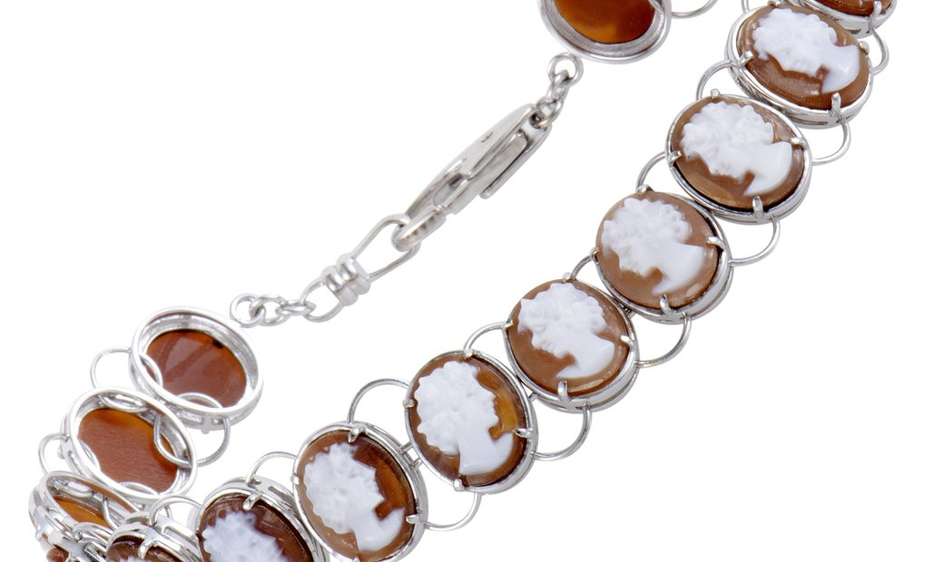 LB Exclusive LB Exclusive Womens 18K White Gold and Platinum Cameo Bracelet