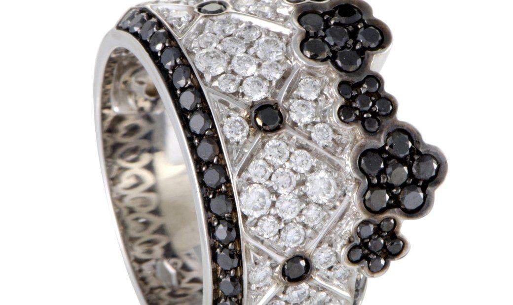 Pasquale Bruni Pasquale Bruni Lulu 18K White Gold Black and White Diamond Pave Band Ring