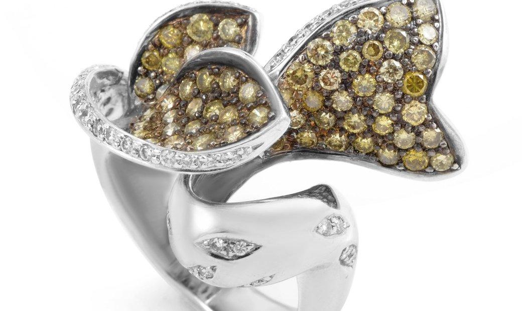 Non Branded 18K White Gold Champagne Diamond Ring T4504