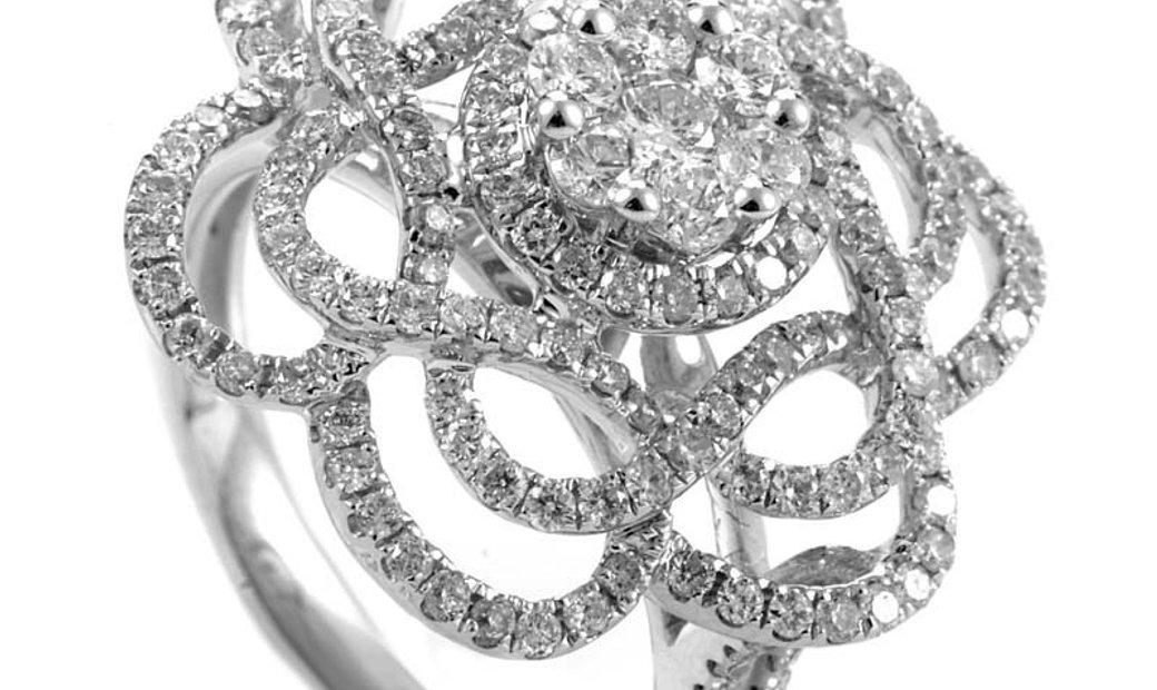 Non Branded 14K White Gold Diamond Flower Ring RS04230W