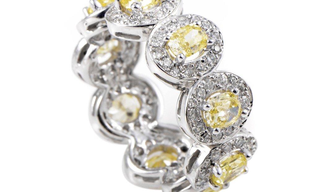 Non Branded 18K White Gold Multi-Diamond Band Ring KOBW15ABBZ