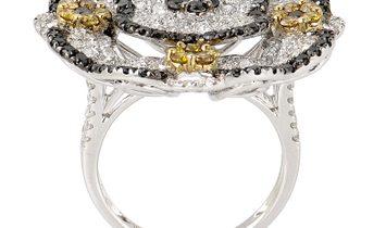 Non Branded 18K White Gold Multi Diamond Flower Ring