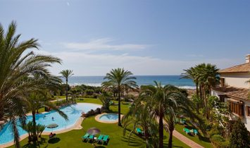 Exclusive Front Line Beach Penthouse in Marbella