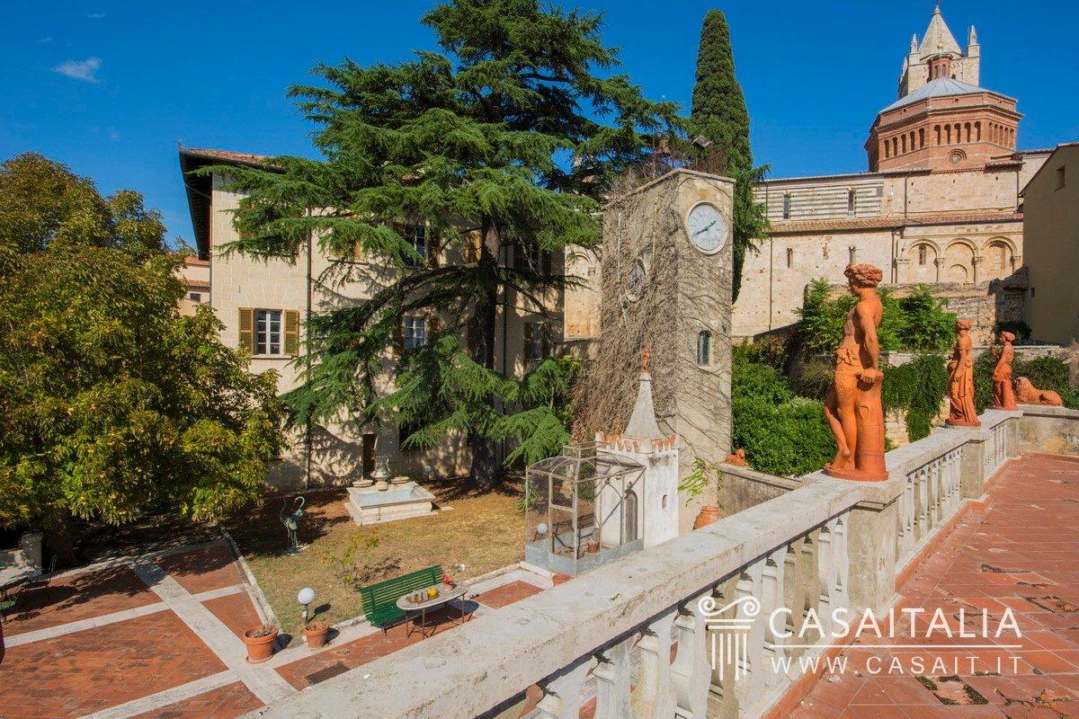 Townhouse in Massa Marittima, Tuscany, Italy 1
