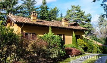 Villa for sale with view of Lake Como