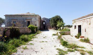 Beautiful Sicilian Countryside Estate