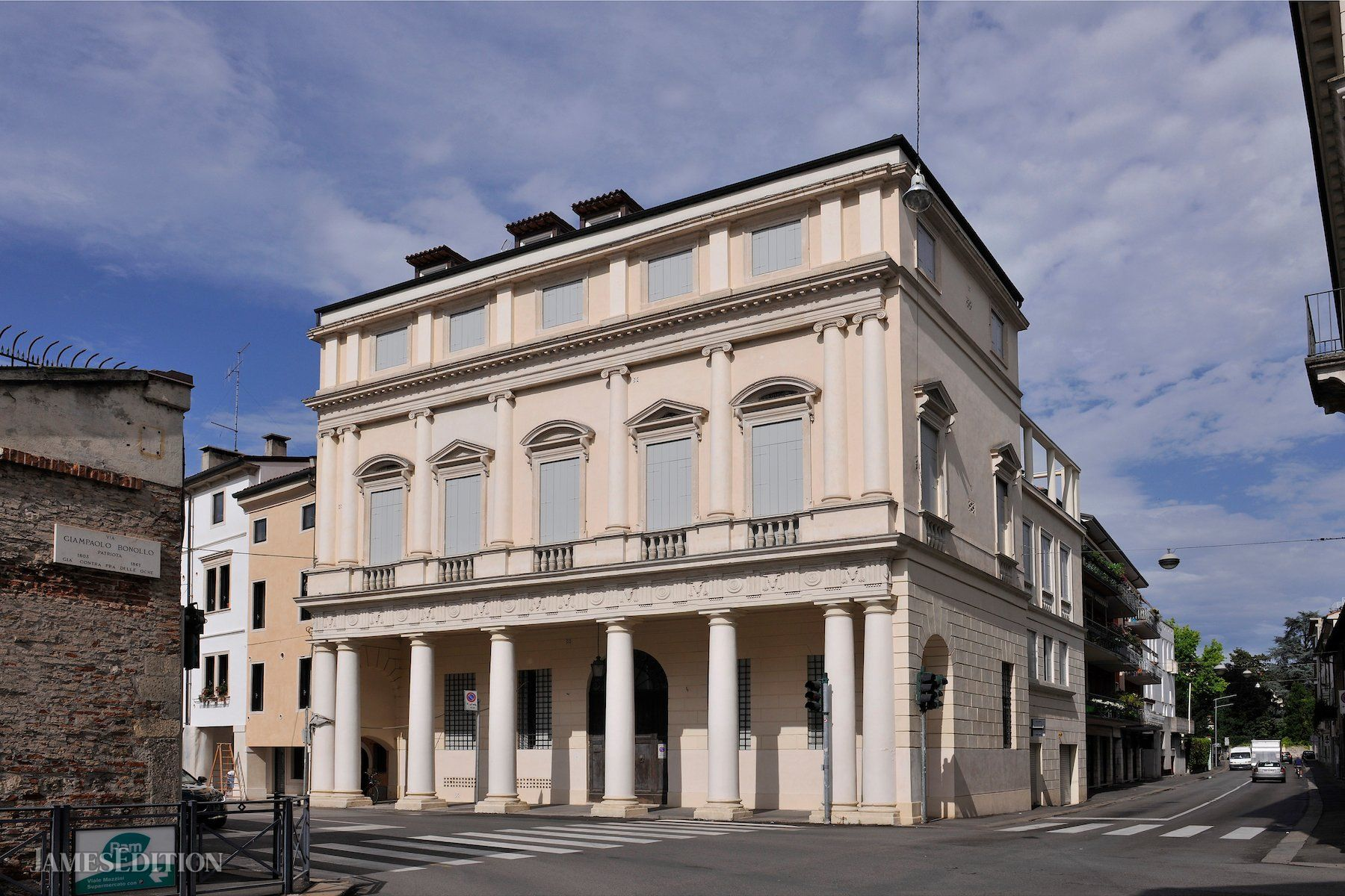 House in Vicenza, Veneto, Italy 1