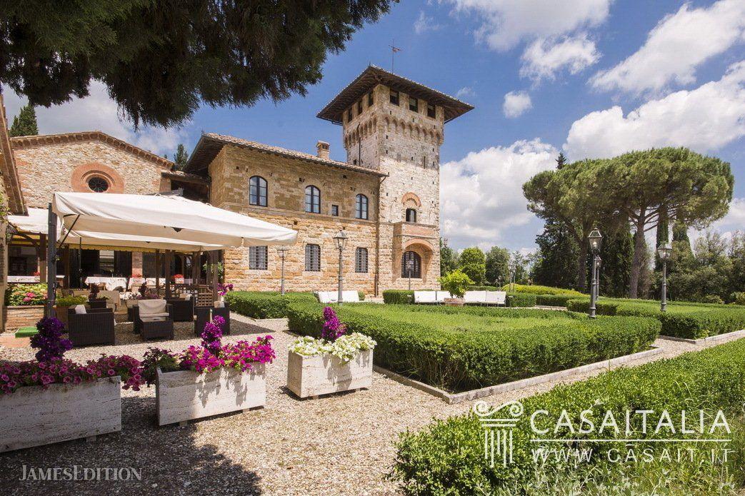 Chateau in San Gimignano, Tuscany, Italy 1