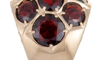 MIMÍ  MIMÍ 18K Rose Gold Diamond and Garnet Cluster Bombe Ring
