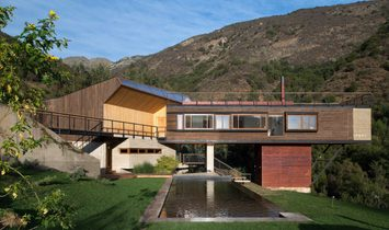 Sustainable And Contemporary Architecture Casa El Maqui