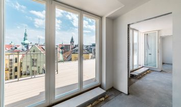 Spacious Maisonette In Old Town