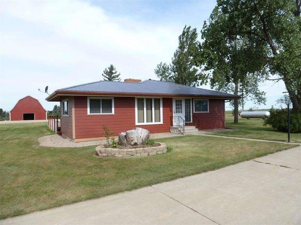 House in Plaza, North Dakota, United States 1