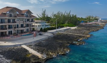 Condo in George Town, George Town, Cayman Islands