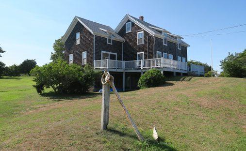 Chalet in New Shoreham, Rhode Island, United States