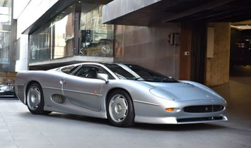 1993 Jaguar XJ-220 (Euro taxes paid)