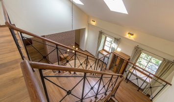 Spacious Apartment In The Old Town