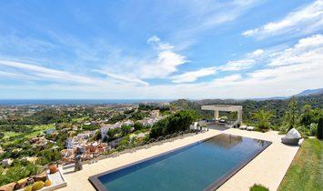Villa for sale in La Reserva de Alcucuz, Marbella