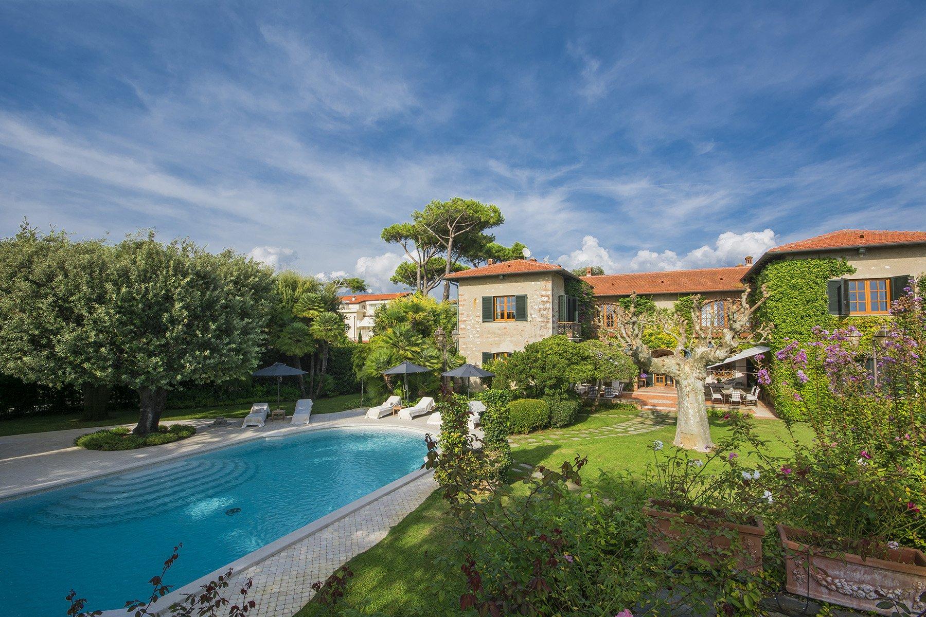 House in Forte dei Marmi, Tuscany, Italy 1 - 10468616