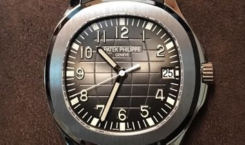 Patek Philippe NEW 5167A Aquanaut 40mm Black Embossed Arabic Date Watch