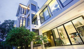 Magnificent Asian Home in Makati Central Business District