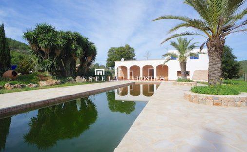 Villa in Sant Mateu d'Albarca, Balearic Islands, Spain