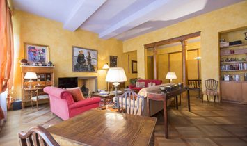 Lovely Apartment In A 15th Century Building