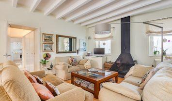 Comfortable Rustic Style Villa In Mahón