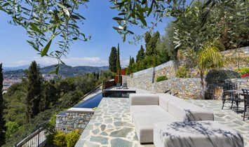 Enchanting Villa With Swimming Pool In Imperia