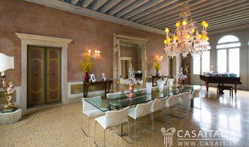 ITALY - Luxury villa for sale in Asolo