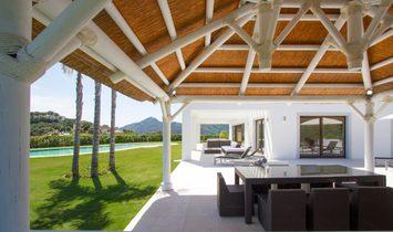 Contemporary villa with golf views in Zagaleta