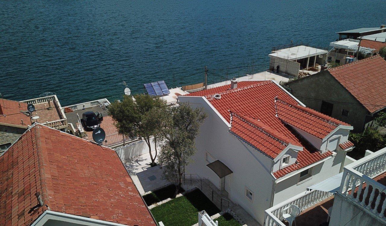 House in Krašići, Tivat Municipality, Montenegro 1