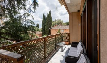 Wide And Bright Apartment Overlooking Villa Borghese