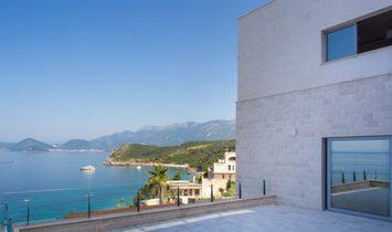 Budva, Rezevici - Luxury villa with the pool on the cliff