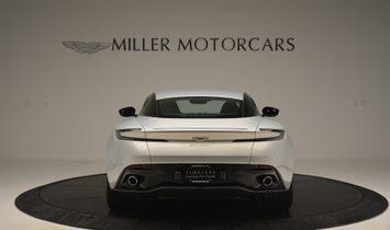 Aston Martin DB11 V12