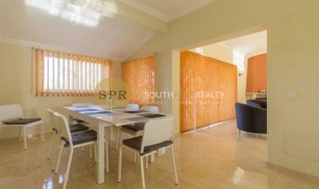 SPACIOUS THREE BEDROOM VILLA WITH POOL,5 MINUTES FROM THE CENTER OF THE TRADITIONAL FISHING VILLAGE