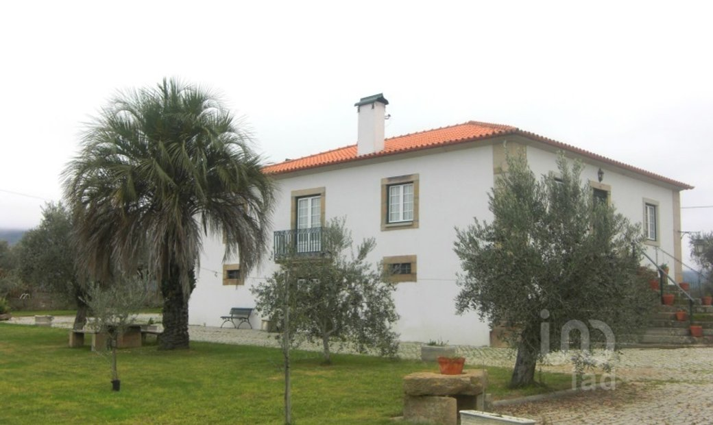 14 bedrooms Farmhouse for Sale