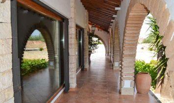 Luxury traditional style villa for sale in Denia, Alicante