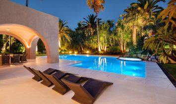 Villa in Marbella, Andalusia, Spain 3