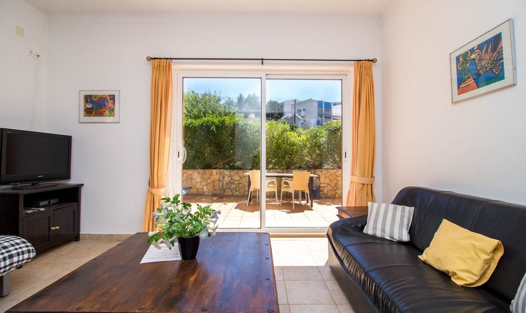 5 Bedroom Apartment For Sale in Salema