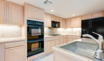 Highland Park Luxury Condo