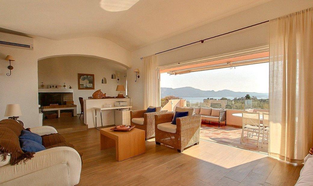 Vente villa de type T6 vue mer avec piscine
