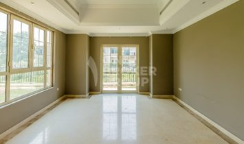 VACANT| Entertainment Foyer Style| Lake View.
