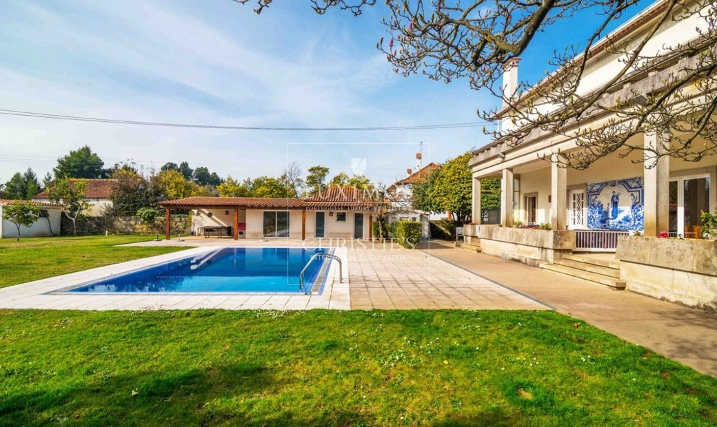 Sale of luxury villa with garden and pool, Vila do Conde, Portugal