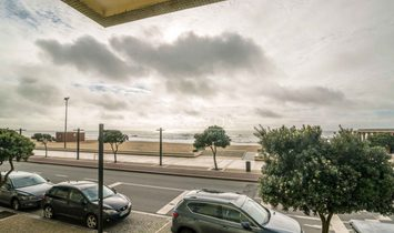 Sale of apartment with sea front, by the beach, Póvoa Varzim, Portugal
