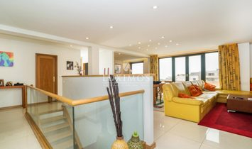 Penthouse, close to the beach, ocean views, Mindelo, Portugal