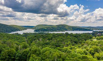 Vast Lake Waramaug Views