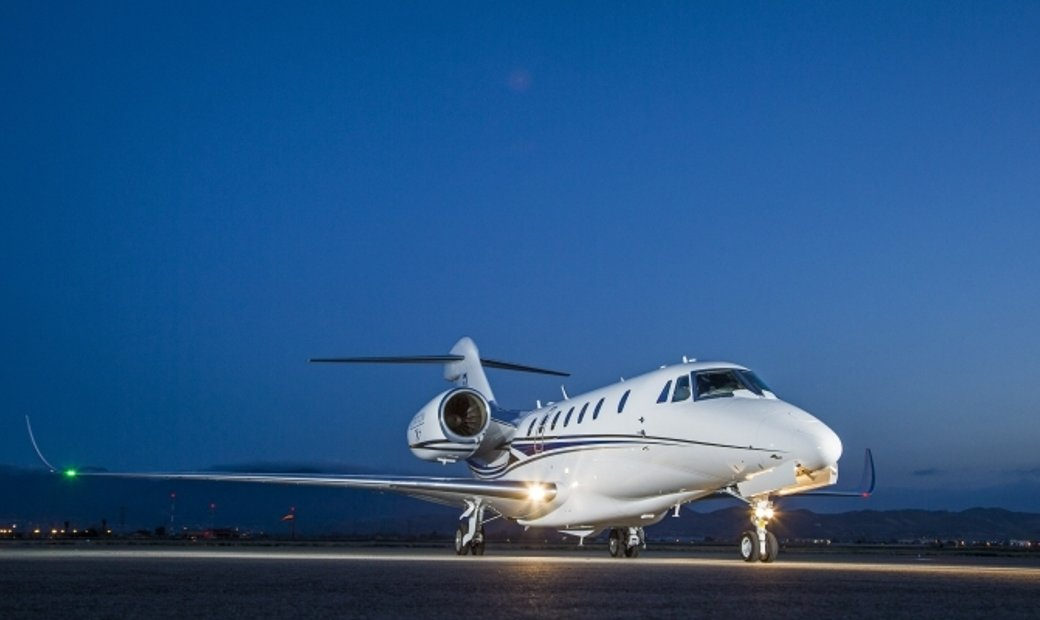 Citation X - 8 Seats - Luxury Private Jet Charter