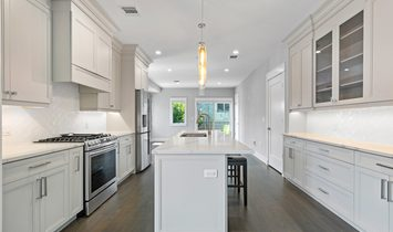 3 Bedrooms Townhouse