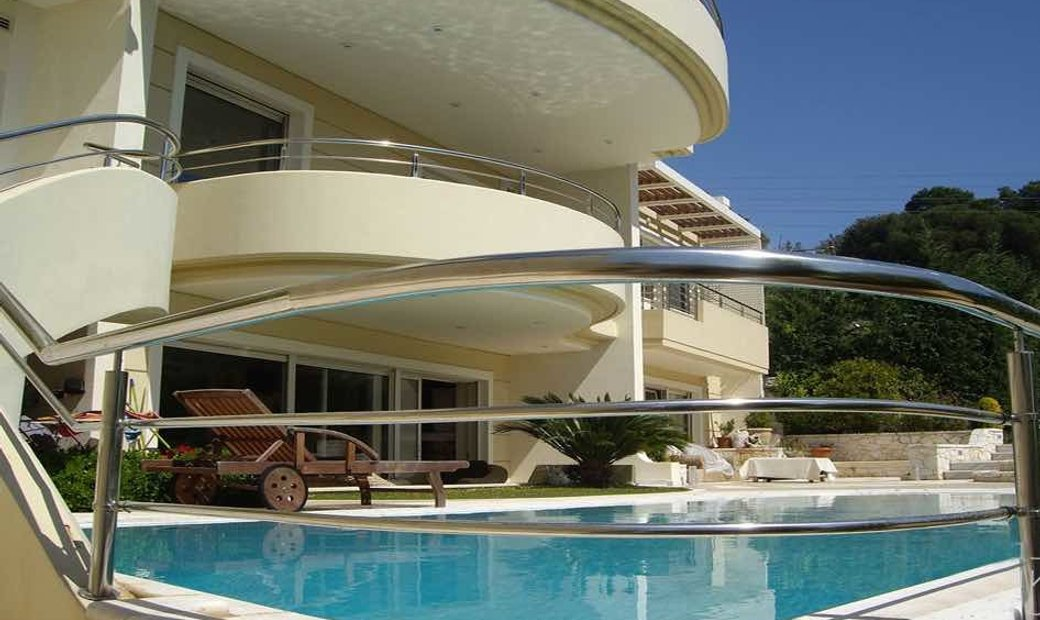 Luxury Villa in Vouliagmeni with Pool and Sea View, 6 Bedrooms