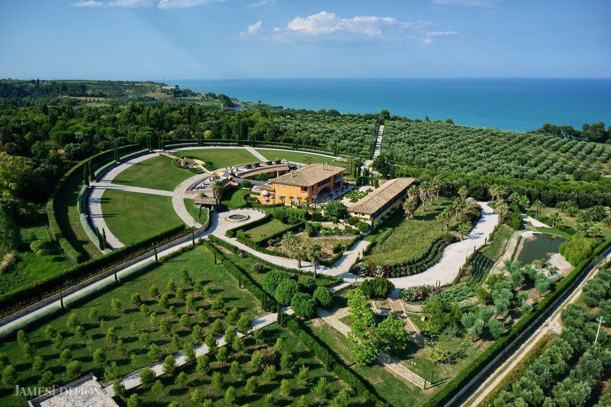 Villa in Grottammare, Marche, Italy 1